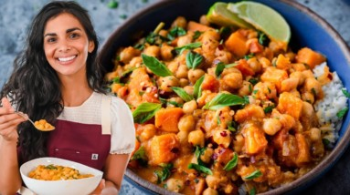 This Butternut Squash + Chickpea Curry is sooo good!